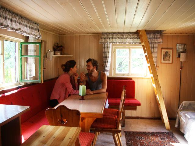 design romantische h tte. Black Bedroom Furniture Sets. Home Design Ideas