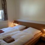 Kleines Doppelbettschlafzimmerschlafzimmer